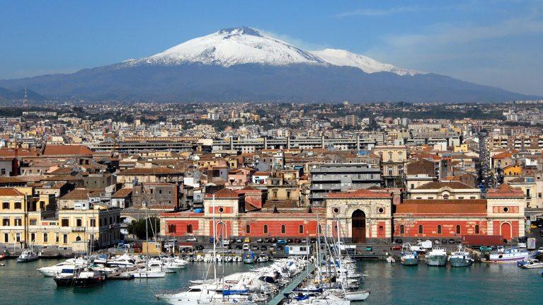 Der Ätna bei Catania auf Sizilien