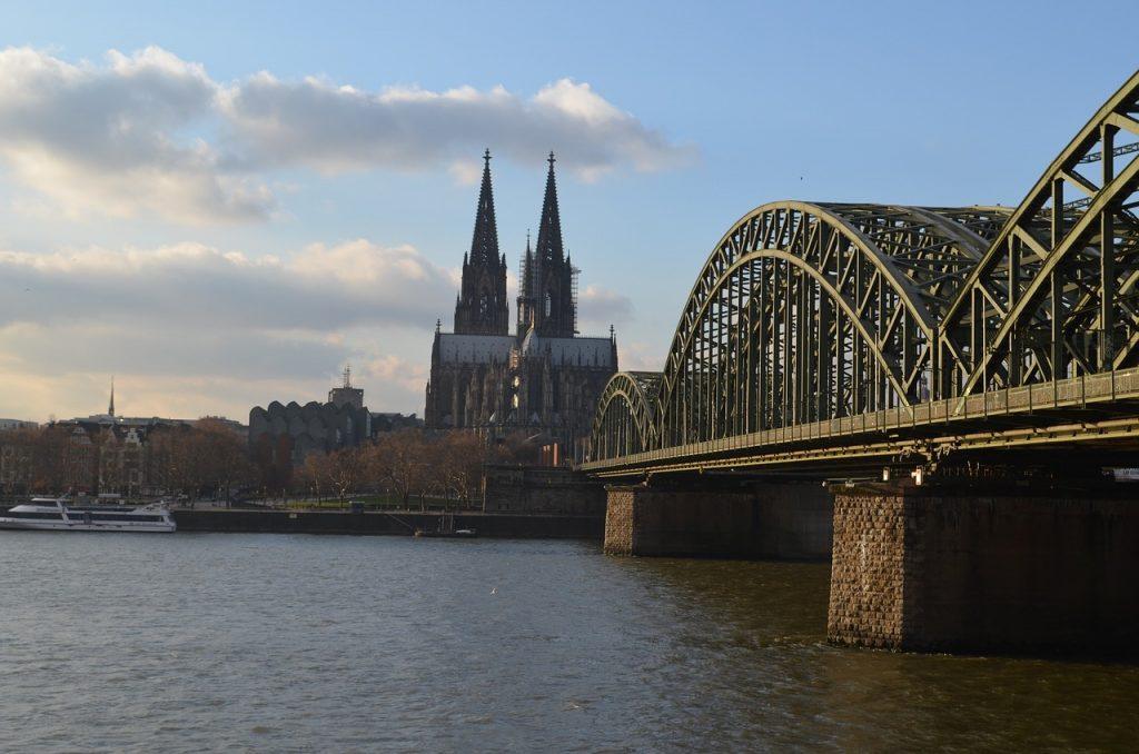 Flüge nach Köln, Deutschland