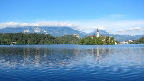 Slowenien See Stadtpanorama